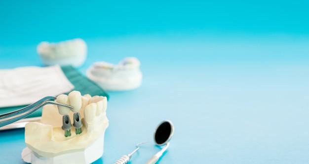 متخصص جراحی ایمپلنت دندان در مشهد
